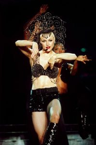 Мадонна в наряде Dolce&Gabbana The Girlie Show World Tour