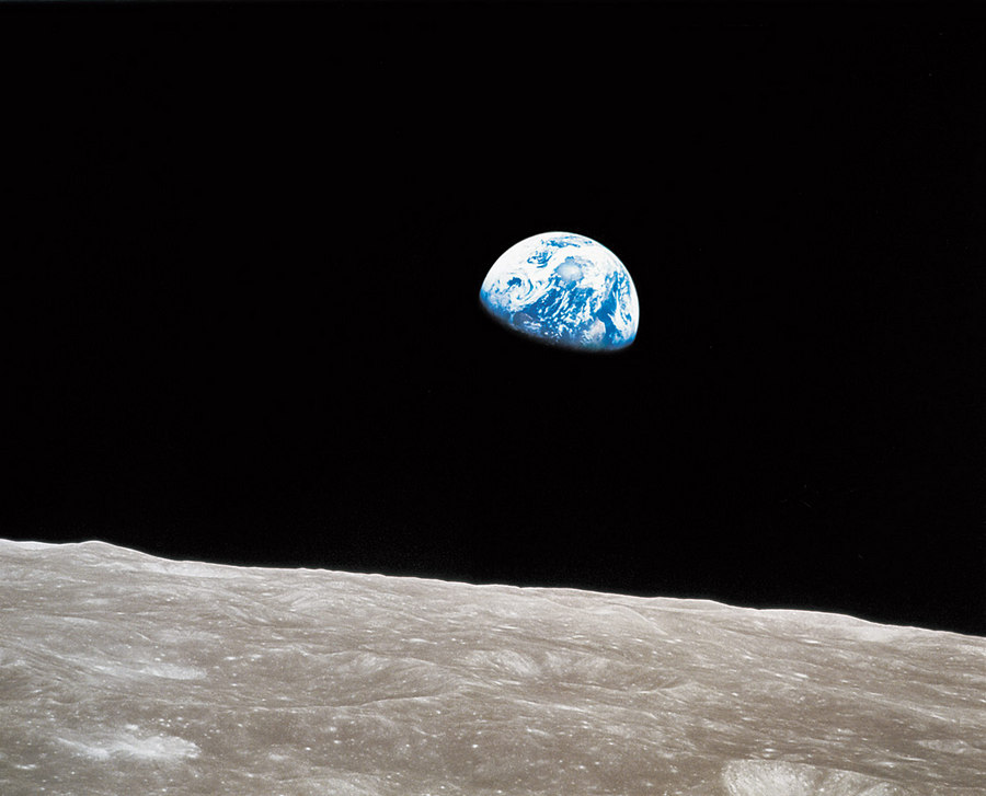 Earthrise William Anders NASA 1968