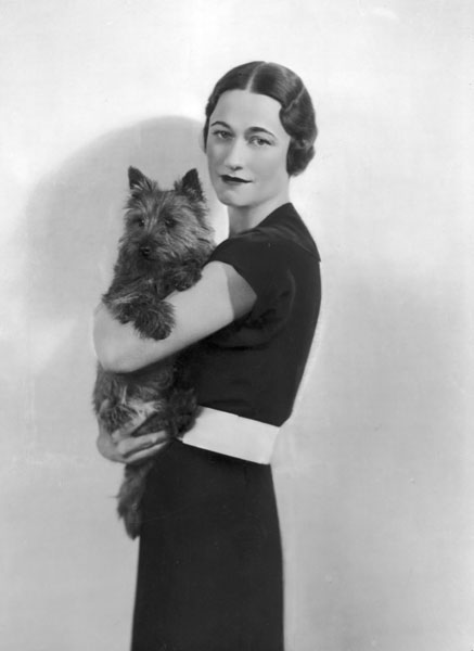 Wallis-Simpson-with-her-Dog-716104