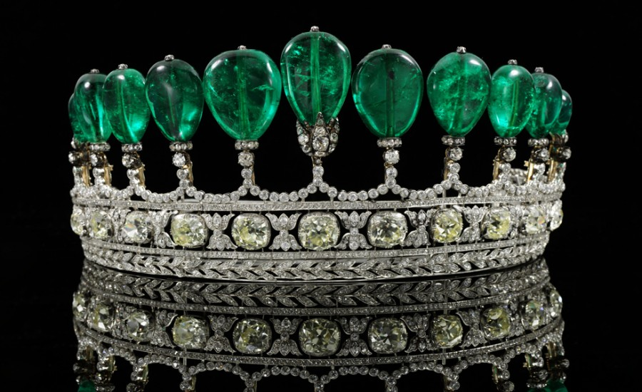 This_magnificent_and_rare_emerald_and_diamond_ti