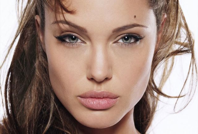 angelina-jolie-young-hq-wallpapers